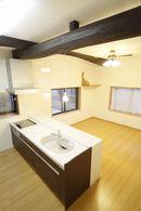 AFTER:キッチンとダイニングとの間の壁をなくし、広々ワンルームに。