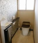 AFTER:壁紙にも変化をつけて、おしゃれになったトイレ
