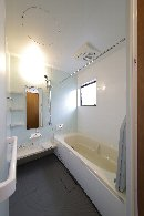 AFTER:従来の浴室は縦長の1221サイズ。1616のシステムバスに入れ替え。
